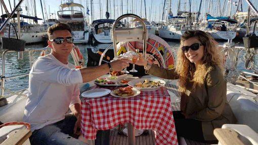 ארוחה זוגית רומנטית ביאכטה